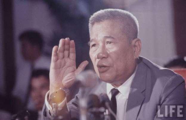 Thủ tướng Trần Văn Hương